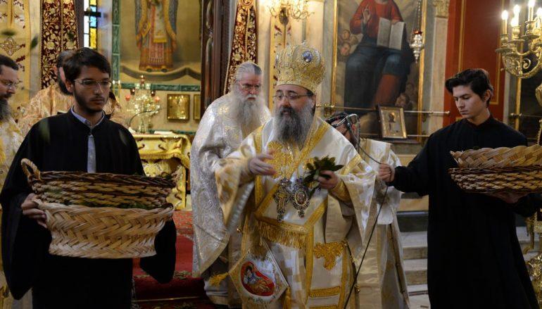 Πρώτη Ανάσταση στην Ι. Μητρόπολη Πατρών (ΦΩΤΟ)