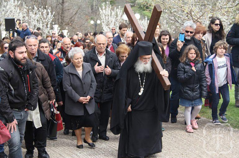 Μεγάλη Εβδομάδα στο Μοναστήρι του Τρικόρφου Φωκίδος (ΦΩΤΟ)