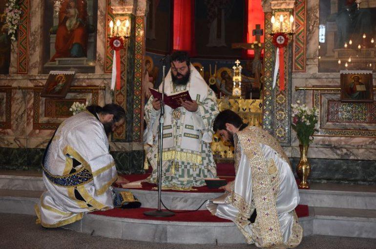 Η εορτή της Πεντηκοστής στην Ι. Μητρόπολη Μαρωνείας (ΦΩΤΟ)