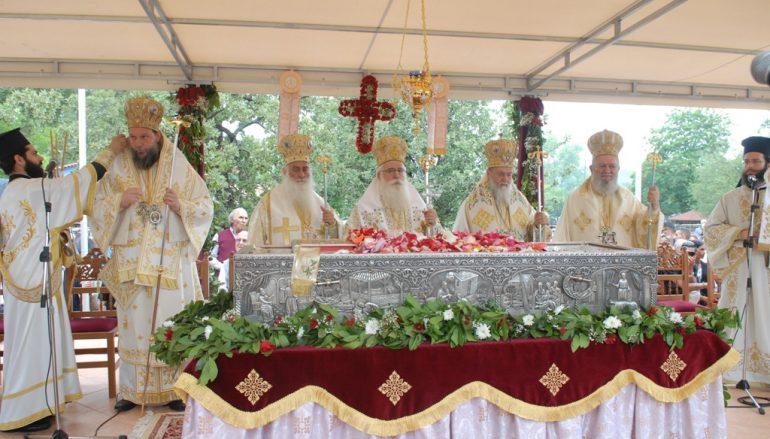 Με λαμπρότητα η Εύβοια πανυγήρισε τον Όσιο Ιωάννη το Ρώσσο (ΦΩΤΟ)