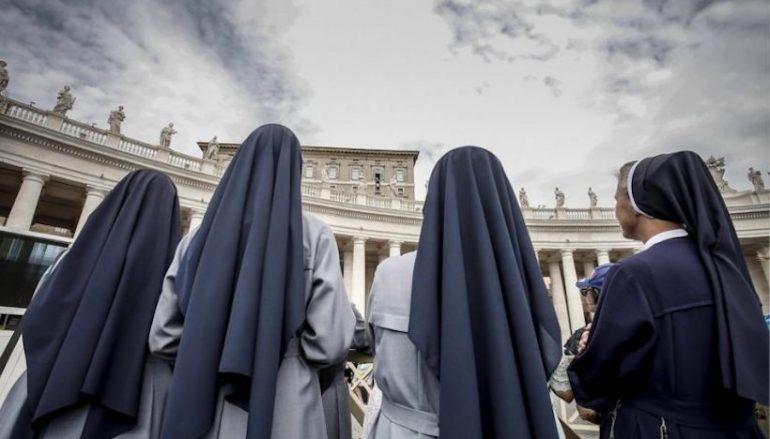 Βατικανό προς καλόγριες: «Αφήστε Facebook και Twitter και πιάστε…την προσευχή»