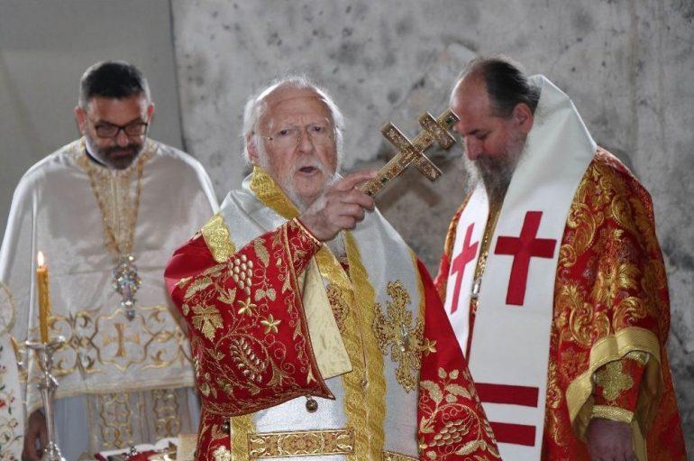Πατριαρχική Θεία Λειτουργία στην Καππαδοκία (ΦΩΤΟ)