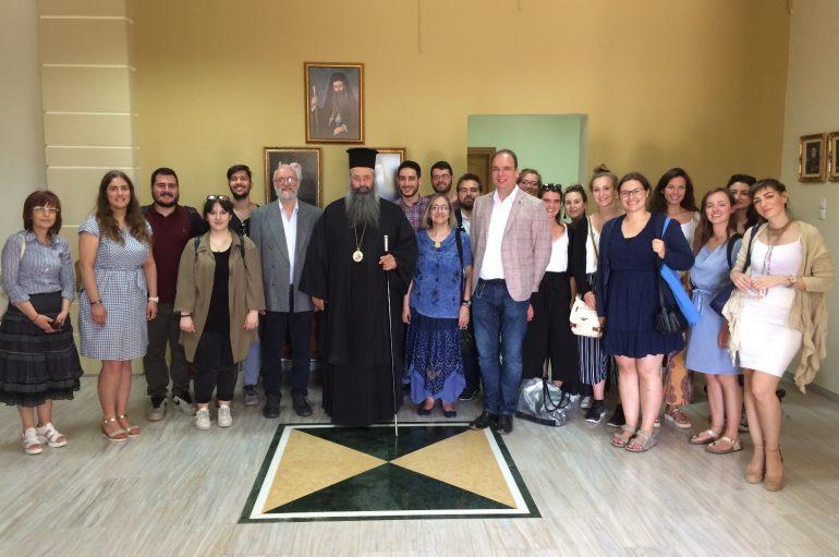 Επίσκεψη καθηγητών και φοιτητών στο Εκκλ. Γηροκομείο στον Σβορώνο Πιερίας