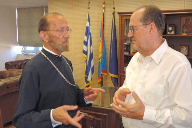 Ο Μητροπολίτης Αγίου Φραγκίσκου επισκέφθηκε τον Δήμαρχο Καλαμάτας