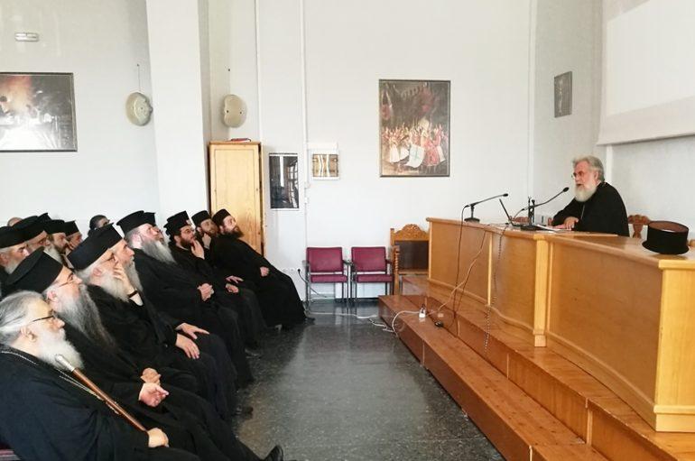 Ο Μητροπολίτης Ιλίου ομιλητής σε Ιερατική Σύναξη της Ι. Μ. Εδέσσης (ΦΩΤΟ)