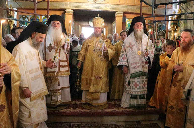 Η εορτή του Αγίου Λουκά του Ιατρού στη Συμφερούπολη της Κριμαίας (ΦΩΤΟ)
