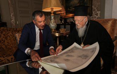 """Στ. Θεοδωράκης: """"Ο Πατριάρχης είναι μια πολύ σπουδαία προσωπικότητα"""""""