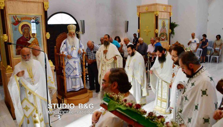 Αρχιερατική Θ. Λειτουργία στον Ι. Ναό Αγίου Λουκά στο Ναύπλιο (ΦΩΤΟ)