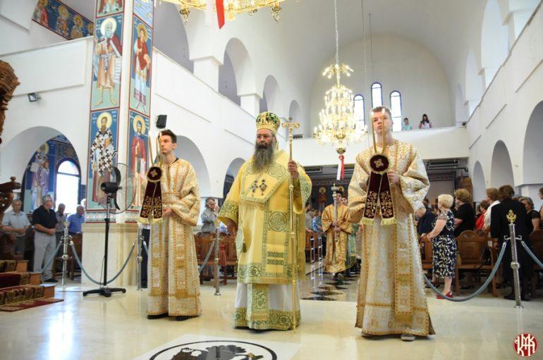 Λαμπρή υποδοχή Εικόνας του Αγίου Παϊσίου στην Νέα Έφεσο Πιερίας (ΦΩΤΟ)