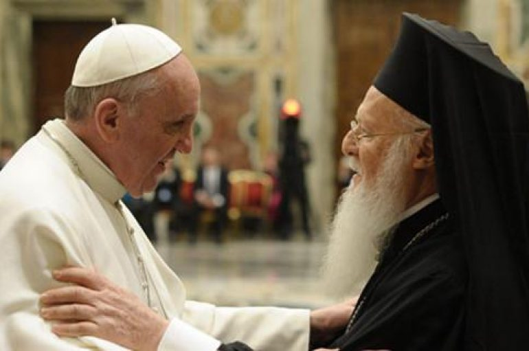 Ευχές του Πάπα Φραγκίσκου στον Οικ. Πατριάρχη για τα ονομαστήριά του