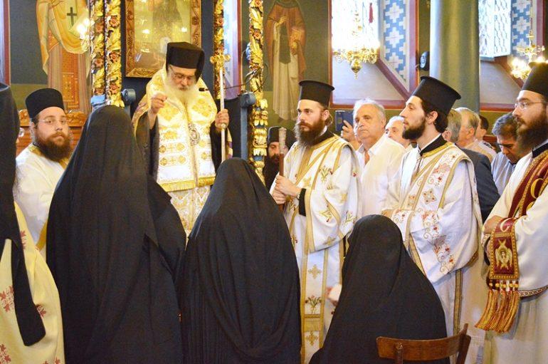 Ενθρόνιση νέας Ηγουμένης στην Ι. Μονή Αγίας Τριάδος Εδέσσης (ΦΩΤΟ)