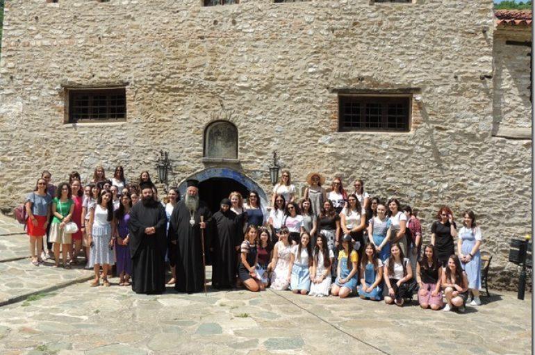 Νέες από την Ι. Μητρόπολη Κίτρους στην Ι. Μονή Κλεισούρας Καστοριάς