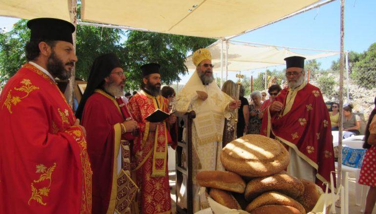 Αρχιερατική Θ. Λειτουργία στο Βήμα του Απ. Παύλου στο Σεσκλί Σύμης (ΦΩΤΟ)