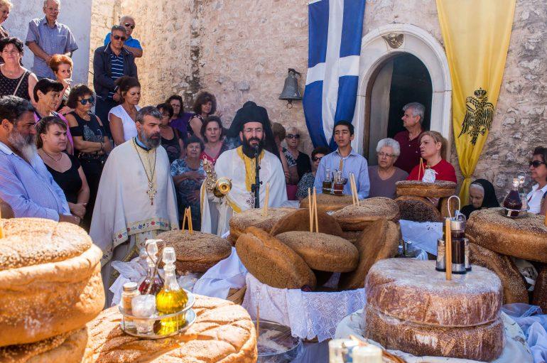 Θεία Λειτουργία στην Ιερά Μονή Δημιόβης Μεσσηνίας (ΦΩΤΟ)