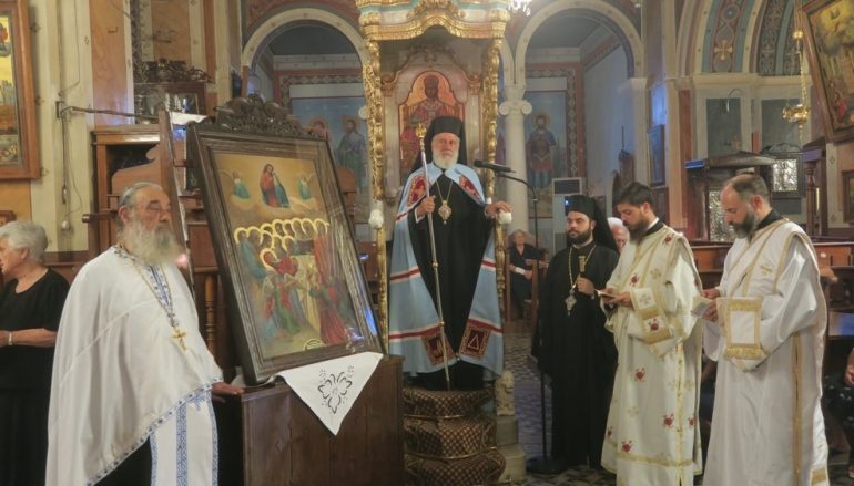 Παράκληση προς την Παναγία από τον Μητροπολίτη Σύρου (ΦΩΤΟ)