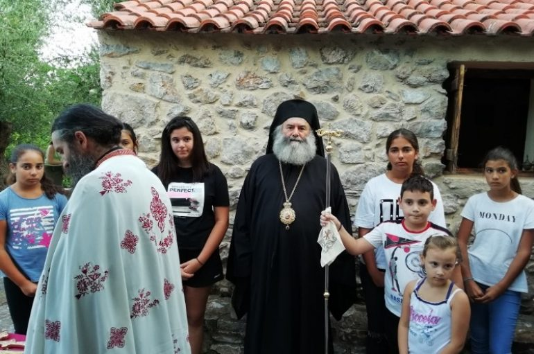 Η Ακολουθία της Ιεράς Παρακλήσεως από τον Μητροπολίτη Μάνης (ΦΩΤΟ)