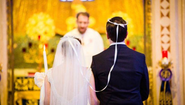 Ιερείς «μαϊμού» πάντρευαν ζευγάρια σε κτήμα της Βαρυμπόμπης
