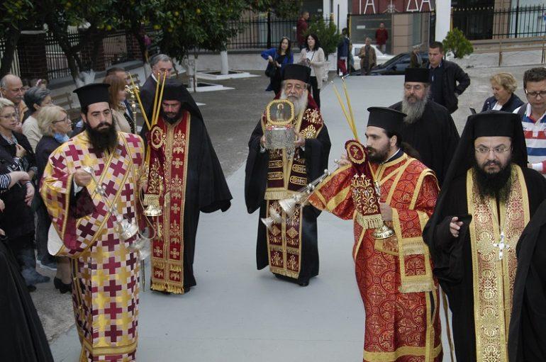 Η Λαμία υποδέχθηκε την Τιμία κάρα του Οικ. Πατριάρχου Αγ. Ιωάννου Νηστευτού