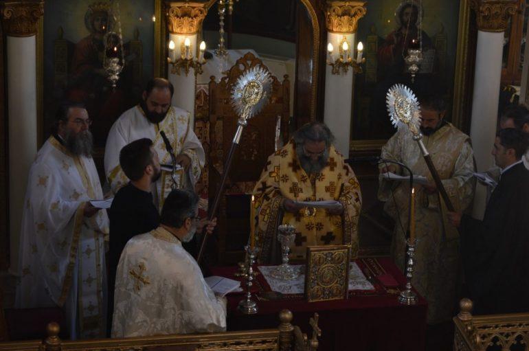Η αρχαιοπρεπής Θεία Λειτουργία του Αγ. Ιακώβου του Αδελφοθέου στο Γύθειο