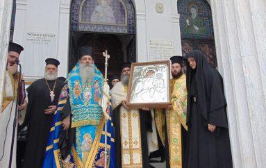 Ο Πειραιάς υποδέχθηκε την Παναγία Δαμάστα (ΦΩΤΟ)