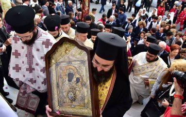 Την Παναγία Έλωνα και τα Άχραντα Πάθη υποδέχθηκαν τα Χανιά (ΦΩΤΟ)