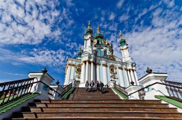 Ιεράρχες της Ρωσικής Εκκλησίας προσχωρούν στην Αυτοκεφαλία