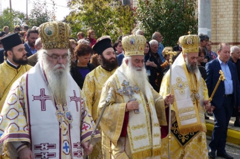 Πάνδημος εορτασμός του Αγίου Νεκταρίου στο Άργος Ορεστικό (ΦΩΤΟ)