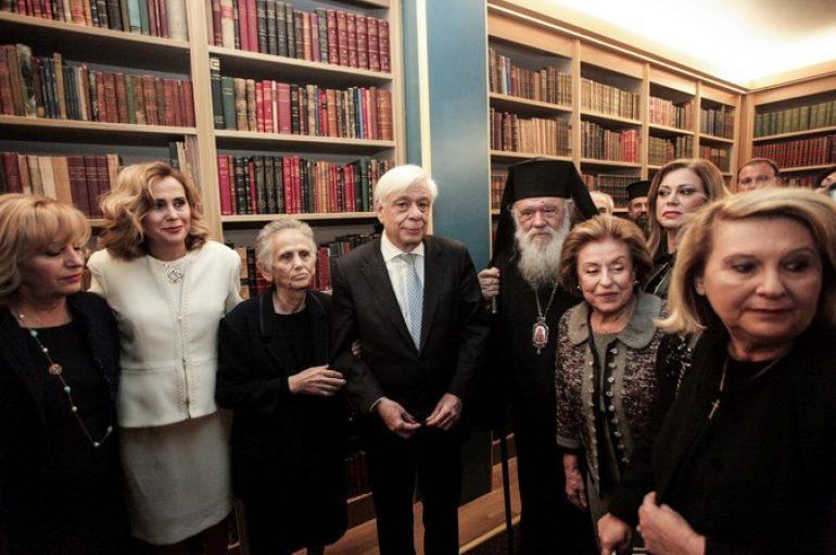 Ο Αρχιεπίσκοπος Ιερώνυμος στα εγκαίνια της βιβλιοθήκης της ΕΣΗΕΑ
