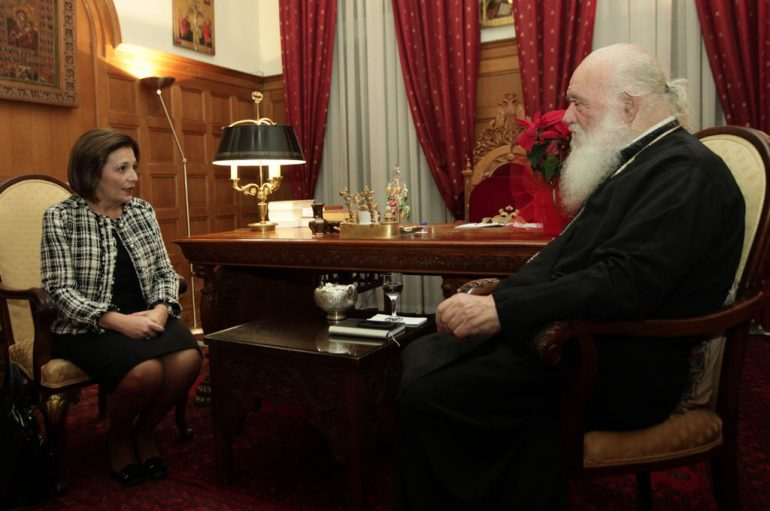 Στον Αρχιεπίσκοπο η Υφυπουργός Εσωτερικών Μαρίνα Χρυσοβελώνη