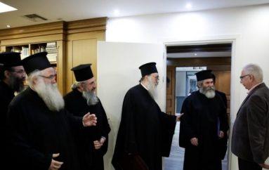 """Γαβρόγλου προς κληρικούς Κρήτης: """"Δε σας αποκλείσαμε!"""""""