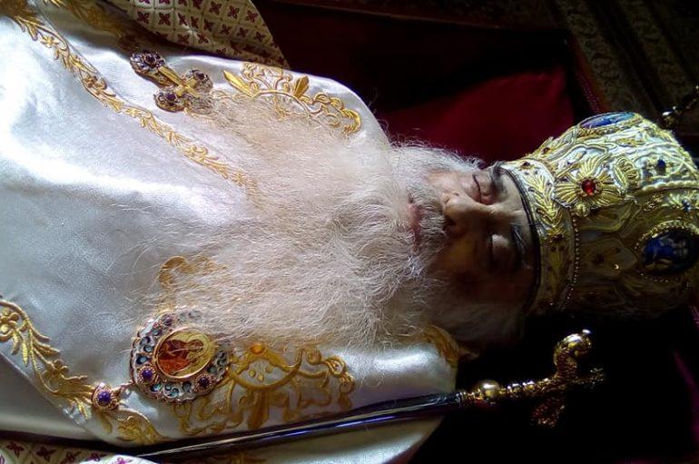 Οι Άγιοι λιγοστεύουν, οι τυχοδιώκτες περισσεύουν