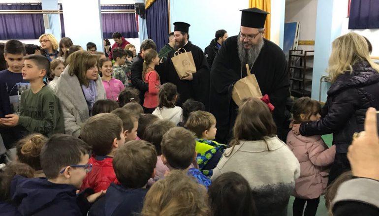 Ο Μητροπολίτης Λαρίσης σε σχολεία του Τυρνάβου