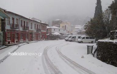 Αποκλείστηκε το Άγιον Όρος από την επέλαση του χιονιά