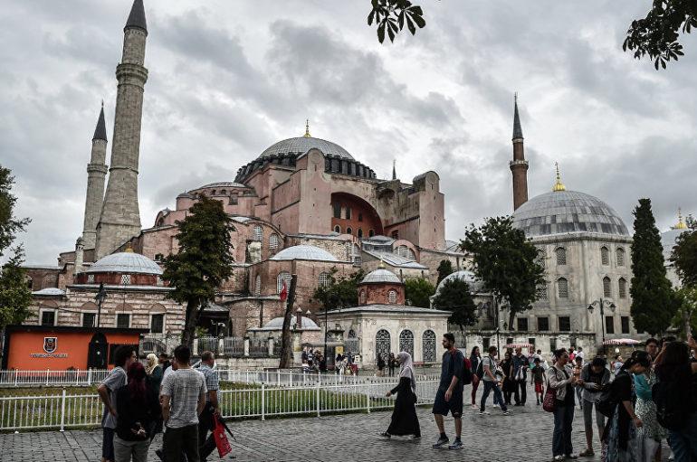 Απάντηση ΥΠΕΞ στα περί μετατροπής της Αγίας Σοφίας σε τζαμί