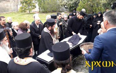 Η ταφή του Μητροπολίτη Ελευσίνος στην Αργολίδα