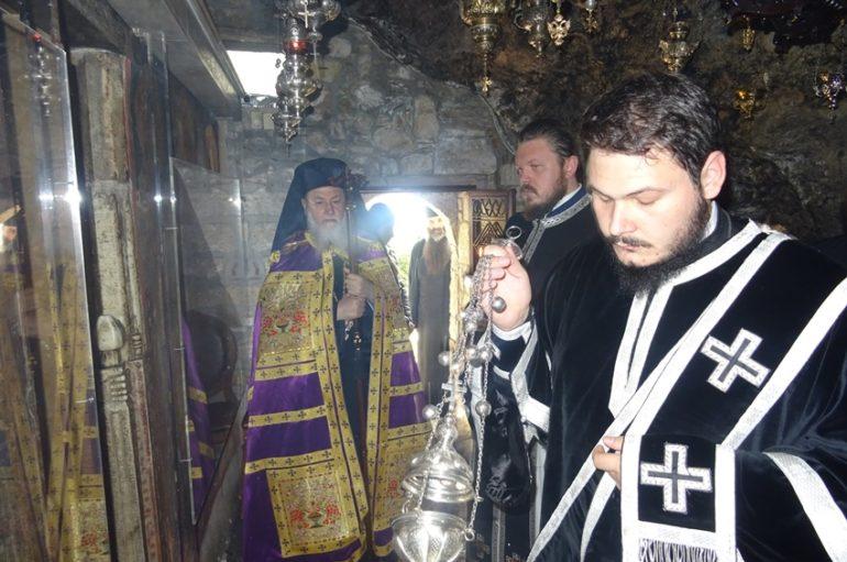 Προηγιασμένη Θ. Λειτουργία στην Ι. Μονή Οσίου Παταπίου Λουτρακίου