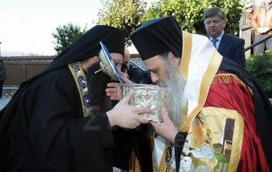 Λαμπρός ο Εσπερινός στην Ι. Μονή Αγίων Θεοδώρων Καλαμπάκας