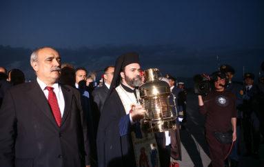 Αφίχθη το Άγιο Φως στην Ελλάδα