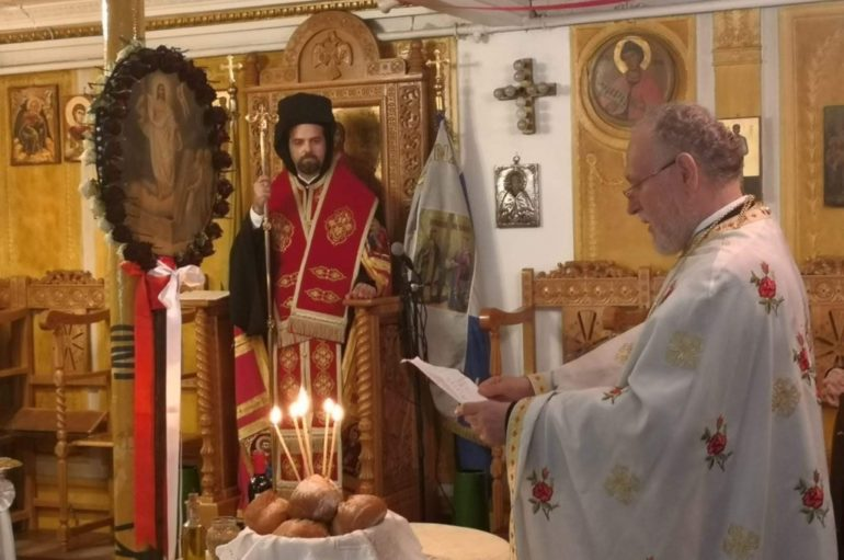 Πανηγύρισε ο Ι. Ναός Αγίων Κωνσταντίνου και Ελένης Παρισίων