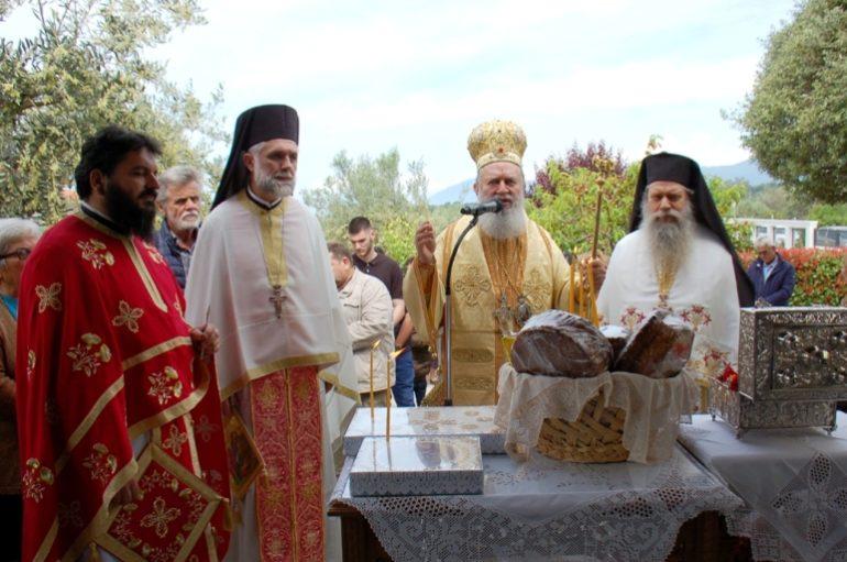 Ο Μητροπολίτης Χαλκίδος στο Παρεκκλήσιο του Αγίου Ισιδώρου Ροβιών