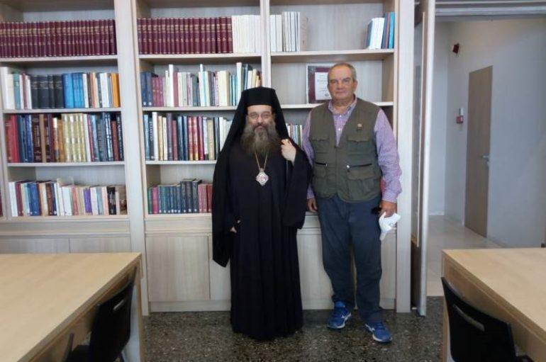 Ο Κωνσταντίνος Καραμανλής στη Βιβλιοθήκη της Ι. Μ. Χίου