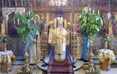 Κυριακή της Πεντηκοστής στον Μητροπολιτικό Ναό Καστοριάς