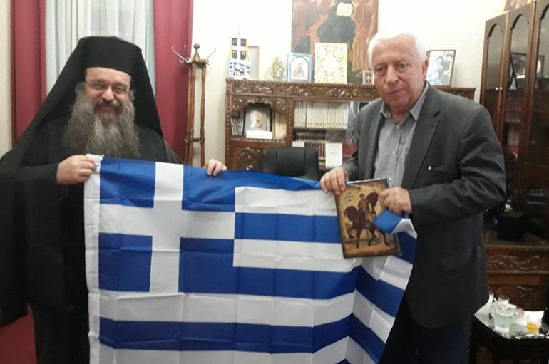 """Χίου: """"Δωρίζω στον νέο Περιφερειάρχη Β. Αιγαίου την Ελληνική Σημαία"""""""
