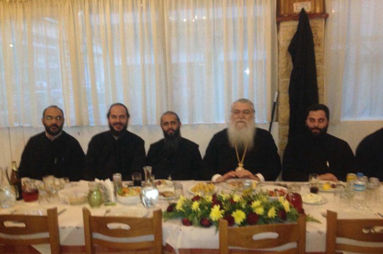 Ο Μητροπολίτης Περιστερίου παρέθεσε δείπνο σε εθελοντές καθηγητές
