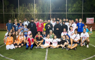 Ο Μητροπολίτης Γλυφάδας σε Διενοριακούς Αγώνες Ποδοσφαίρου