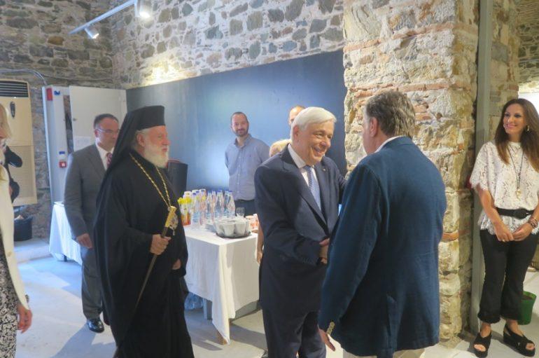 Τον Πρόεδρο της Δημοκρατίας υποδέχθηκε ο Μητροπολίτης Σύρου