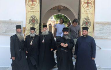 Άφιξη Αρχιερέων στην Πάρο για τον εορτασμό του Αγ. Αρσενίου του Νέου