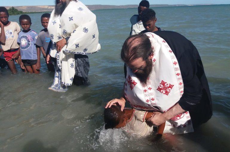 1500 βαπτίσεις στην Ι. Επισκοπή Τολιάρας και Νοτίου Μαδαγασκάρης