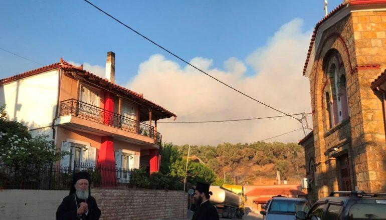 O Μητροπολίτης Χαλκίδος στις πυρόπληκτες περιοχές της Εύβοιας