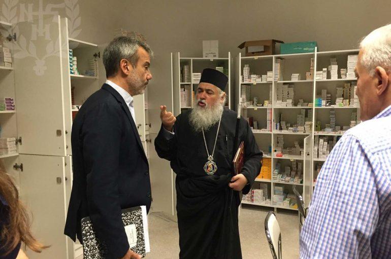 Ο Δήμαρχος Θεσσαλονίκης στο Κοινωνικό Πολυϊατρείο της Ι. Μ. Νεαπόλεως